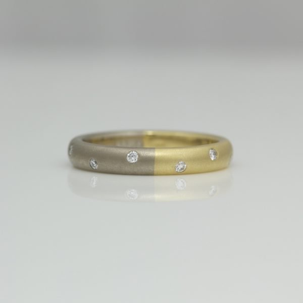 18ct gold half and half ring with diamonds