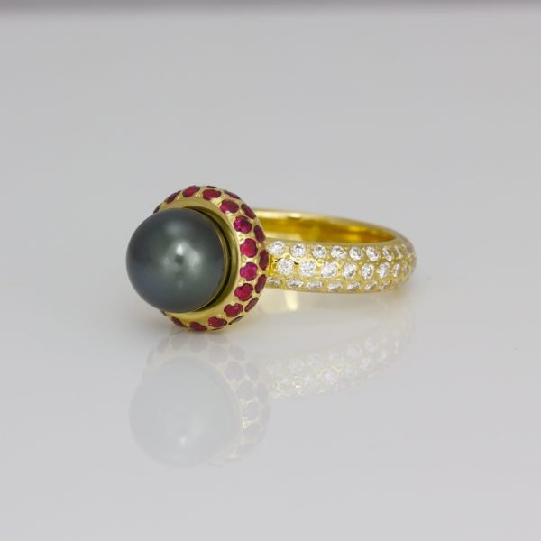 Tahitian pearl ring with rubies & diamonds in 18ct gold.
