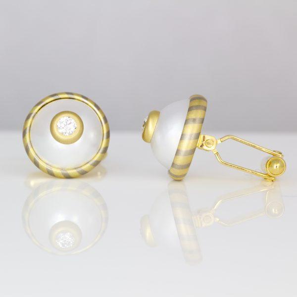 Diamonds & pearl gold cuff-links