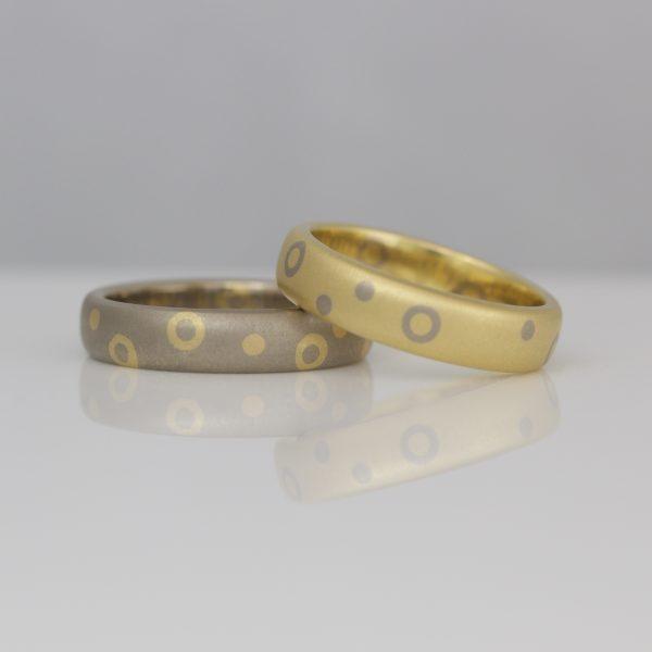 Contemporary dots & circles wedding ring