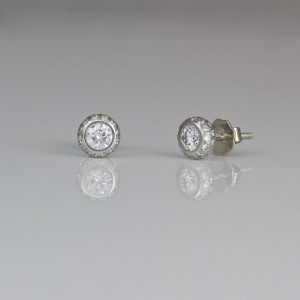 Perfect white diamond ear-studs in Platinum