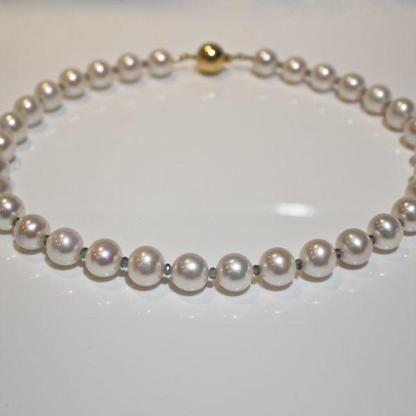 Colour change sapphire & pearl necklace