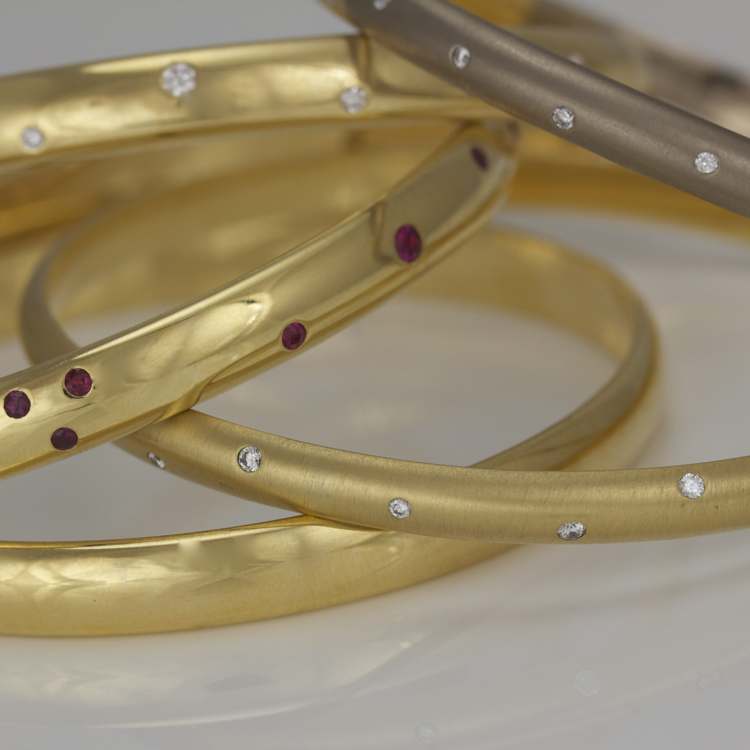 18ct gold solid bangles
