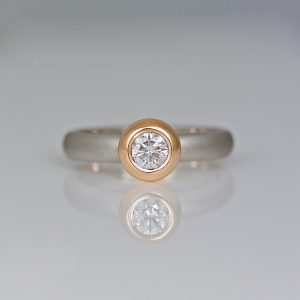 Rub-over set modern diamond ring 1018